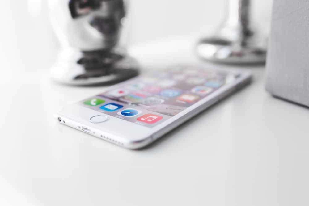 Repair iphones