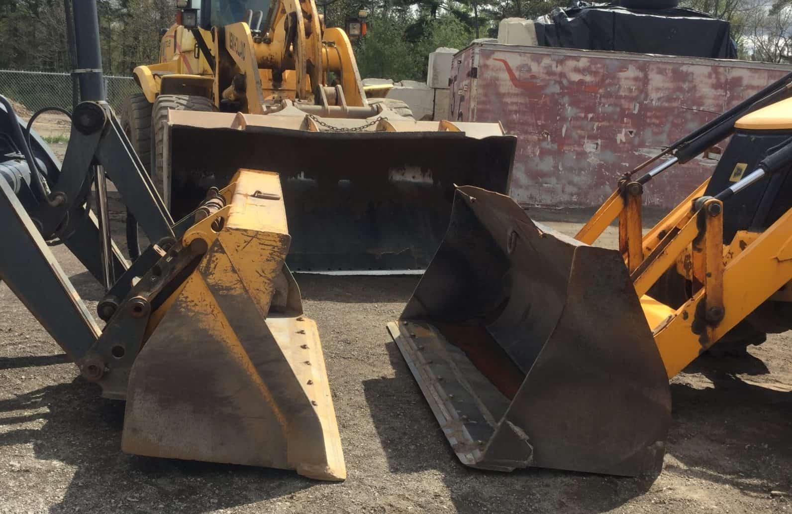 Bulldozer and heavy machinery